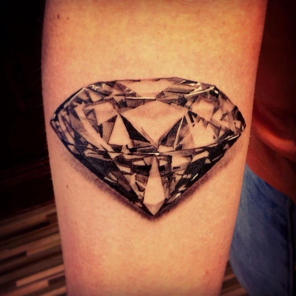 Chi tiết về hình xăm kim cương, ý nghĩa hình xăm kim cương
